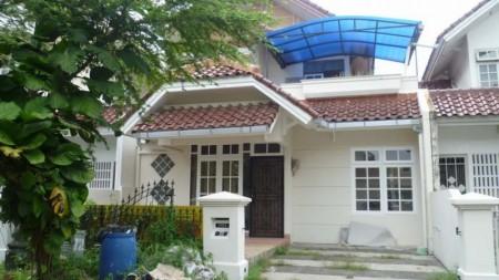 Disewakan Rumah Gn. Durian - Lippo Karawaci