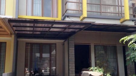 Rumah Nyaman dan Siap Huni di Kawasan Emerald, Bintaro