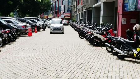 HOT RENT !!! Ruko Siap Pakai dan Lokasi Strategis @Kebayoran Arcade, Bintaro