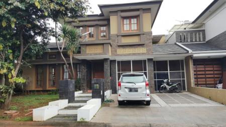 MURAH! Rumah Depan Taman di kawasan Cluster Premium Menteng, Bintaro