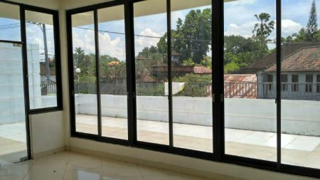 A Beautiful 5 floors Shop on 280 sq m of Freehold Land For Sale Just 7 Minutes From Ubud Center