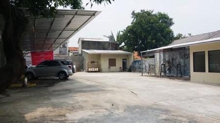 Ruang Usaha Pinggir Jalan Sabar Raya, Petukangan Selatan