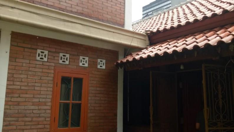 Di JUAL Rumah daerah Menteng Cocok dibangun Rumah Kos