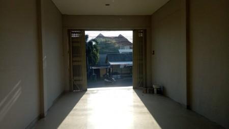 Ruko for rent  in Raya Uluwatu Jimbaran, Badung Bali