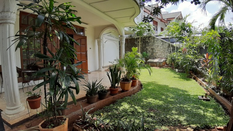 Rumah di Cempaka Putih Timur Raya, Jakarta Pusat; Bentuk ...