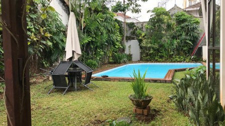Luxury house in Menteng area ready for rent