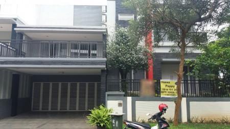 Rumah Nyaman dan Siap Huni di Kawasan Elit Cluster Kebayoran, Bintaro