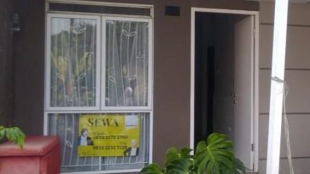 SEWA Rumah Komplek Taman Akasia Padalarang