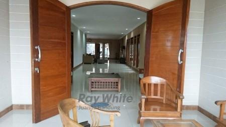 Disewakan Tahunan Villa di Lembang