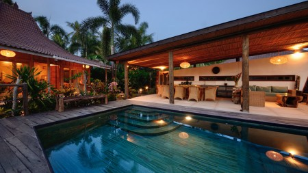Beautiful 4 Bedroom Villa for Sale on 995 Sq m of Leasehold Land 5 Minutes from Ubud Center