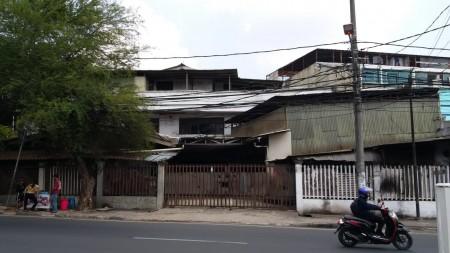 Di sewa Ruko Strategis di Pinggir Jalan kawasan Kedoya, Jakarta barat