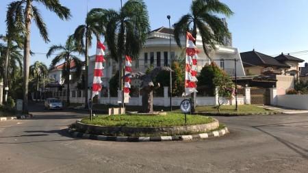 Rumah Siap Huni, Lokasi Strategis, dan Bagus di Cikini, Bintaro