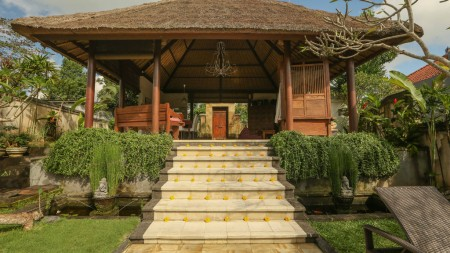 Beautiful 3 Bedroom Villa on 2300 sq m Leasehold Land 15 minutes from Ubud Center