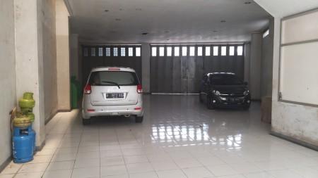 Ruko Ex Showroom di Main Road Kopo
