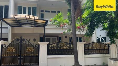 Rumah di Taman Kebon Jeruk Intercon, Maruya Ilir, Jakarta Barat