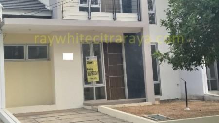Rumah 2 lantai asri dann nyaman Citra Raya ID4118NA