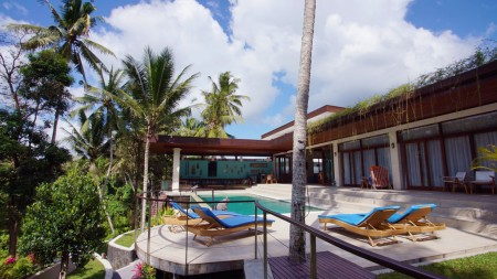 Amazing 3 Bedroom Villa on 1200 sq m of Leasehold Land with Ravine View 10 Minutes from Ubud Center