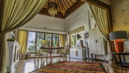 Luxury Villa Freehold In Great Location Close GWK
