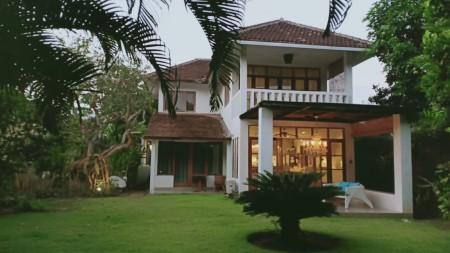 Cozy 2 Bedrooms House For Yearly Rent In Seminyak
