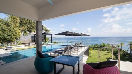4 Bedrooms Freehold  Cliff front Villa in Uluwatu