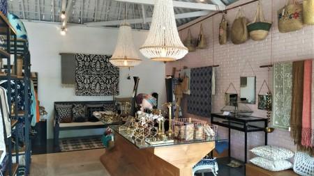 Newly Renovated Shop for Rent in Jalan Pantai Berawa