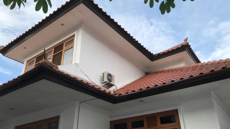 HOT SALE !!! Rumah Siap Huni dan Strategis @Graha Taman, Bintaro