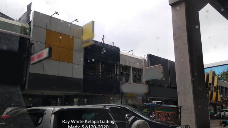 Ruko Disewa Boulevard Raya, Luas 4,5x17m2