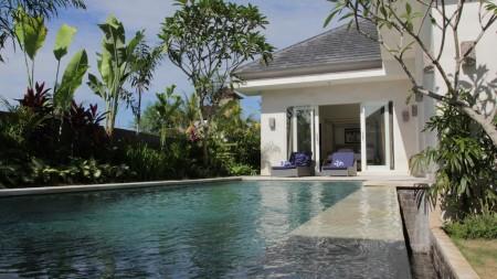 Beautiful Three Pool Villas Complex