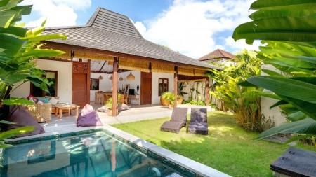 2 Bedrooms Villa Leasehold Located in Seminyak!!!