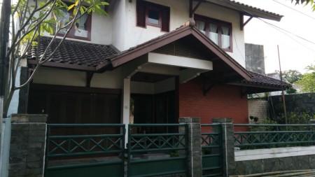Rumah Bagus Di Jl Johar, Bandung