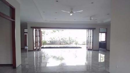 Rumah Town House Yang Nyaman Disewakan Di Area Cilandak, Jakarta Selatan