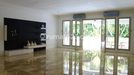 Luxury and huge house in Cipete area