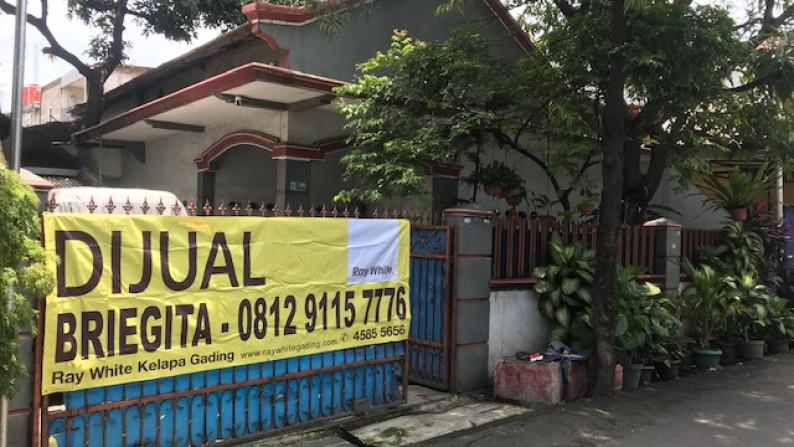 Rumah Tua Hirung Tanah Jl Lorong 100 Timur, Dekat Yos Sudarso, Rawa Badak, Luas 239m2