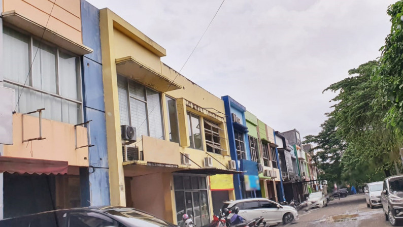 Ruko Siap Pakai, Lokasi Strategis, dan Parkir Luas @Emerald Boulevard, Bintaro