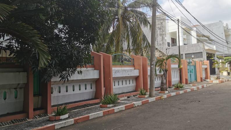 Rumah Hoek Jl Agung Tengah, Sunter, Luas 30x40m2, 2 lantai