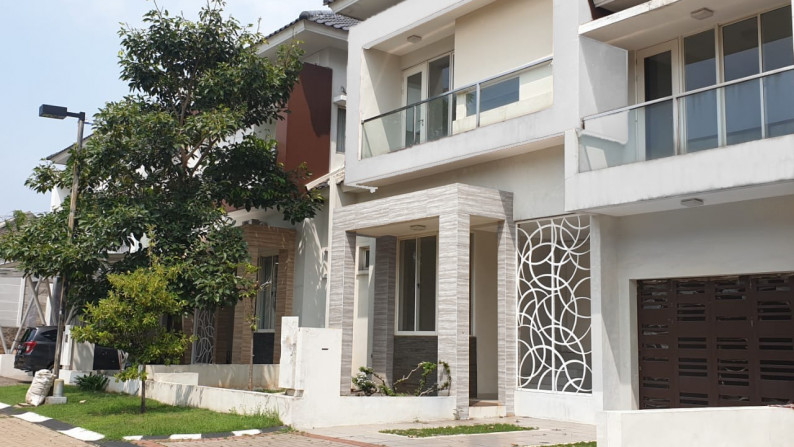 HOT SALE !!! Rumah Siap Huni, Bagus, dan Nyaman @Kebayoran Essence, Bintaro