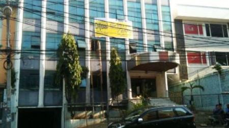 Gedung Lokasi Area Komersil Tebet Raya. MURAH **